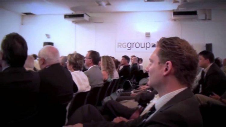 L'univers de l'entrepreneuriat et de la politique suisse révèle son icône